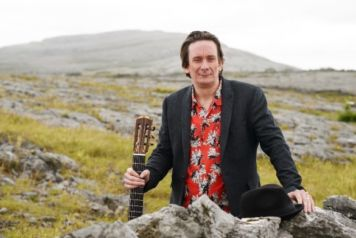 Dave Flynn: Online World Premiere of Dún Laoghaire Guitars